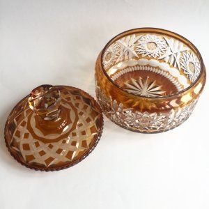 Cristal y vidrio: bombonera de cristal