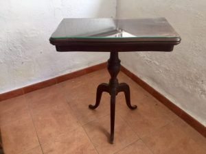Muebles antiguos alfonsinos e isabelinos