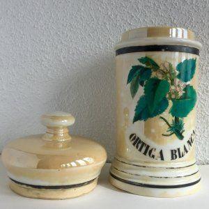 Albarelo de farmacia antiguo en porcelana esmaltada