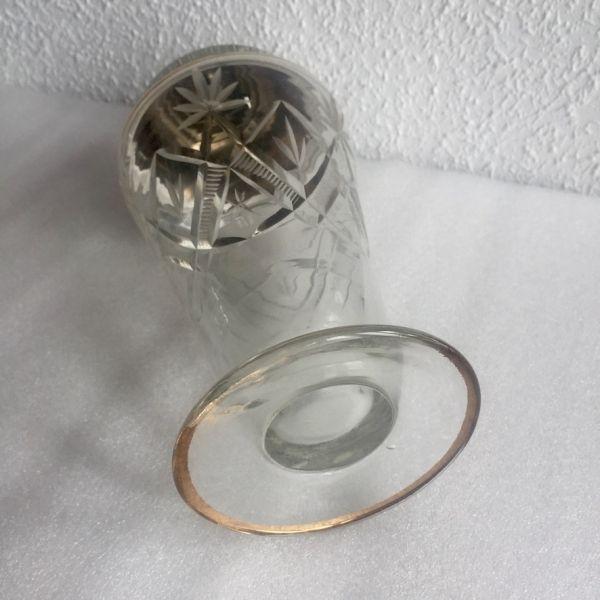 Coctelera de cristral tallado con metal plateado