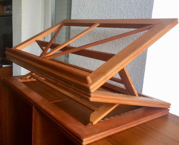 Gran atril de madera noble artesanal, plegable