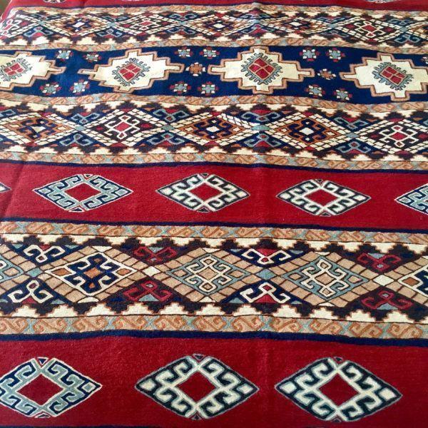 Alfombra hecha a mano de Tariq Katwari, Kashmir India
